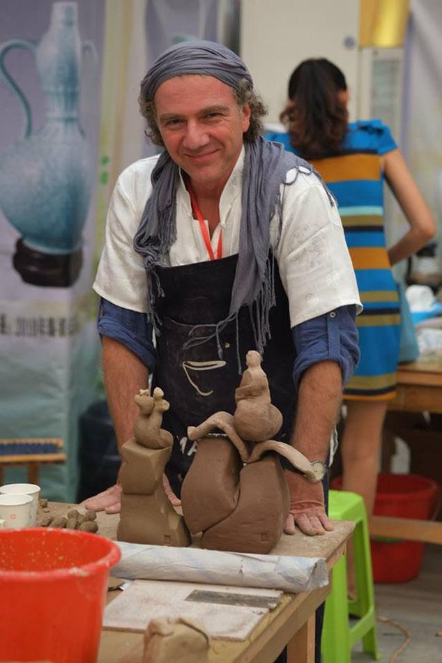 Emre Tugrul Feyzoglu, török kerámikus művész